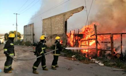 Se registra incendio en Parque Industrial Canacintra, no hay lesionados