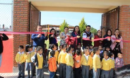 Mejoran espacios educativos en Villa de Tezontepec