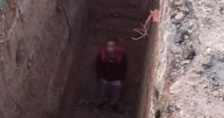 Estudiante cae en zanja de obras de Colosio