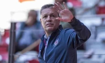 Cruz Azul anuncia salida de Ricardo Peláez