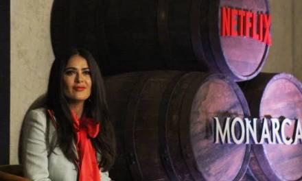 Salma Hayek presenta Monarca, serie producida por ella
