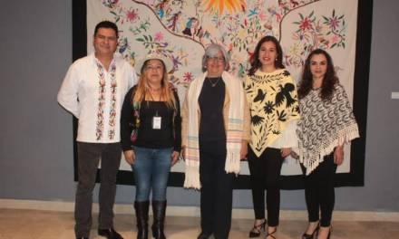 Exhiben tenangos en Complejo Cultural los Pinos