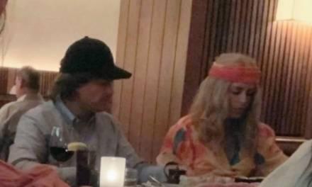 Captan a Peña Nieto y Tania Ruiz cenando disfrazados en Nueva York