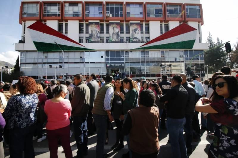 Mil 400 personas participaron en el simulacro de sismo en el Palacio de Gobierno de Hidalgo