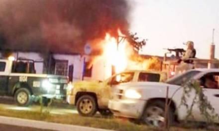 Sicarios queman casa con dos niños en el interior