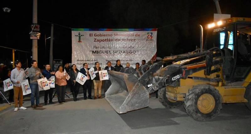 Inicia pavimentación asfáltica de la Av. Miguel Hidalgo en San Pedro Huaquilpan