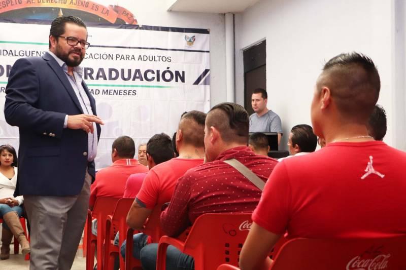 Personas en reclusión en el Cereso de Tula reciben certificados de educación básica