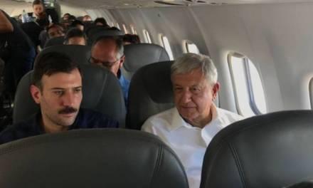Amlo y Raúl Salinas coinciden en vuelo
