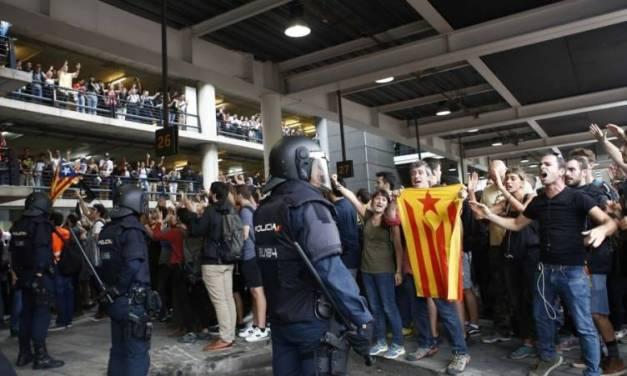 Protestas en aeropuerto de Barcelona causa cancelación de vuelos