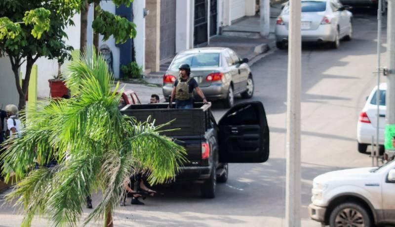 Ocho muertos, 16 heridos y 49 reos fugados, saldo de lo ocurrido en Culiacán