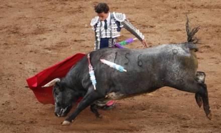 Armillita IV y Mendoza salen en hombros de la Vicente Segura