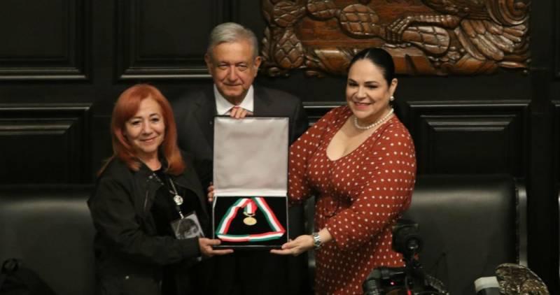 Rosario Ibarra encarga medalla Belisario Domínguez a Amlo, pide que la devuelva con la verdad sobre desaparecidos