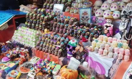 Pachuca se inunda de colores y aromas por festividades de Día de Muertos