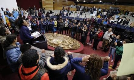 Lamentan integrantes de la LXIV Legislatura irrupción violenta en el Pleno