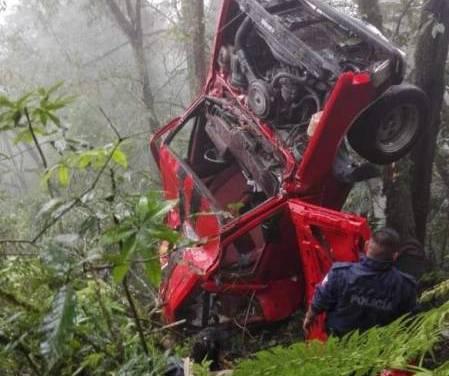 Accidente en Tenango de Doria deja dos muertos y cuatro heridos