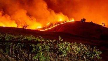 Sin control, incendios en Baja California y el sur de Estados Unidos