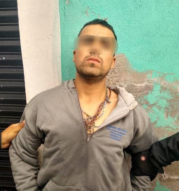 Ciudadanos capturan a presunto ladrón que opera en la zona centro de Pachuca