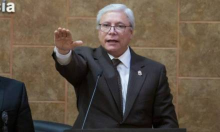 Jaime Bonilla rinde protesta como gobernador de Baja California, por cinco años