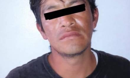 Detienen a sujeto que agredió a transeúntes, llevaba marihuana