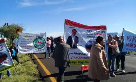 Ante el bloqueo vehicular de grupos provida, diputados de Hidalgo abren diálogo