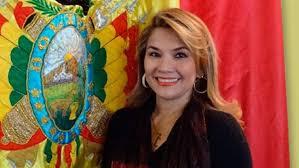 Senadora se autoproclama presidenta de Bolivia