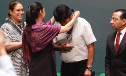 Evo Morales es nombrado huésped distinguido de CDMX