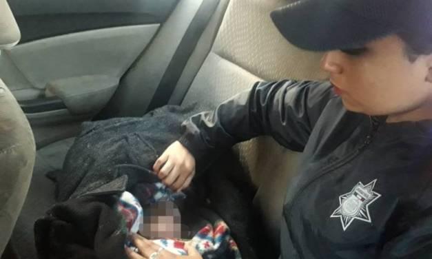 Encuentra policía a bebé abandonado en centro de Pachuca