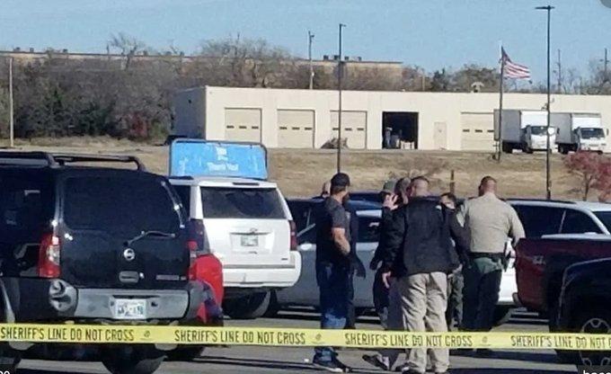 Tres personas murieron en tiroteo de Centro Comercial de Oklahoma