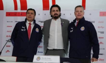 Ratifican a Luis Fernando Tena como técnico de Chivas