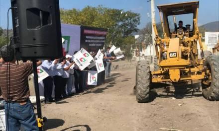 Inician trabajos de pavimentación hidráulica en San Agustín Metzquititlán