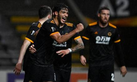 Raúl Jiménez vuelve a anotar con los Wolves