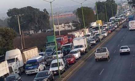 Transportistas se manifestaron frente a Santa Lucía