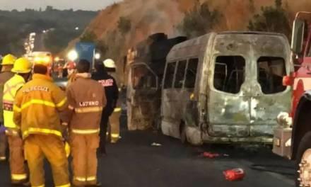 5 niños y 9 adultos murieron en accidente vehicular