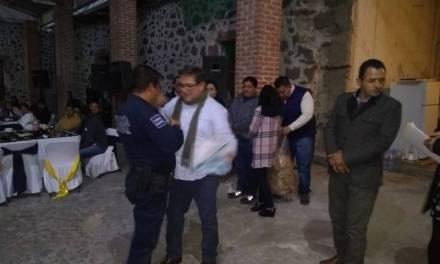 Reconocen a policías en su día en Villa de Tezontepec