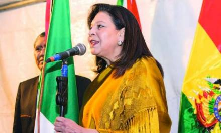 Expulsan de Bolivia a embajadora de México