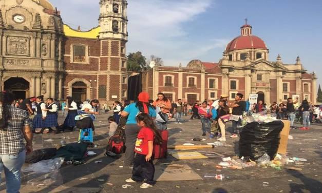 Ciudadanos piden a peregrinos no dejar basura en las calles