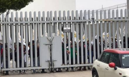 Productores cerraron accesos al Congreso Local este viernes