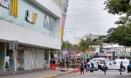 Balacera en McDonalds de Cancún deja un muerto y 5 heridos, entre ellos un niño