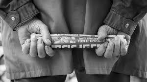 Solo personas mayores compran periódico impreso