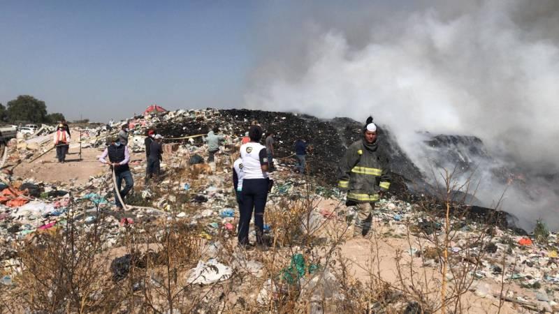 Se incendia basurero de Tolcayuca