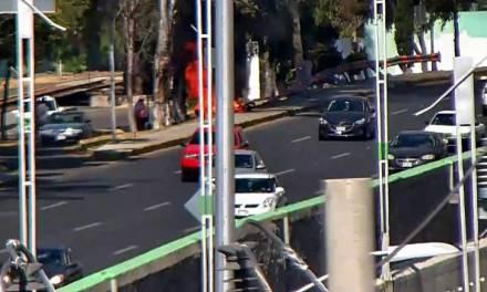 Se incendia motocicleta en Río de las Avenidas