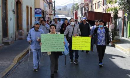 Sindicalizados del Ayuntamiento de Pachuca exigen a Tellería resuelva problema de servicio médico