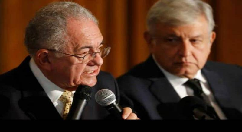 Titular de SCT dice que la rifa del avión presidencial no es factible