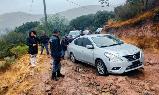 Policías de Hidalgo brindan apoyo a familia del Edomex perdida en zona boscosa