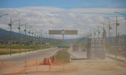 Recorte a la SCT afecta a constructores locales