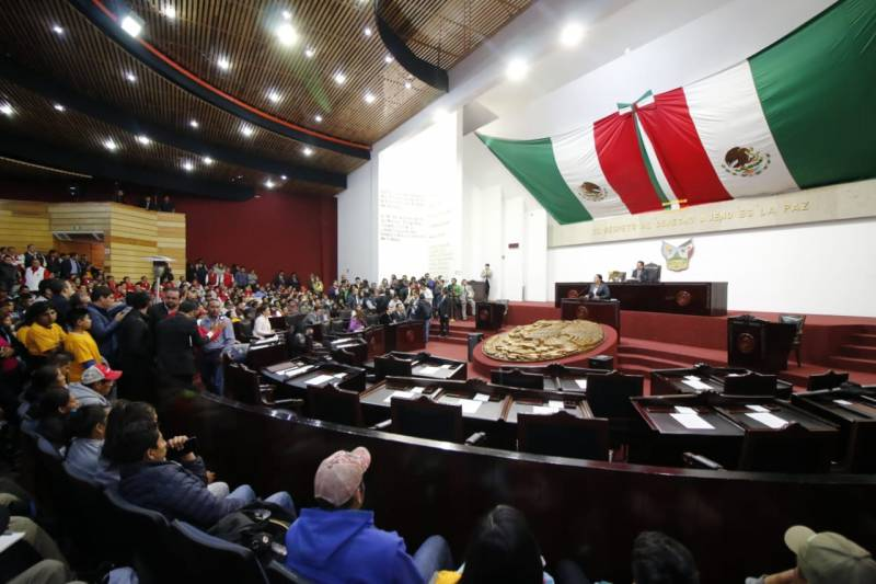 Congreso local no sancionará a servidoras públicas que se sumen al paro nacional