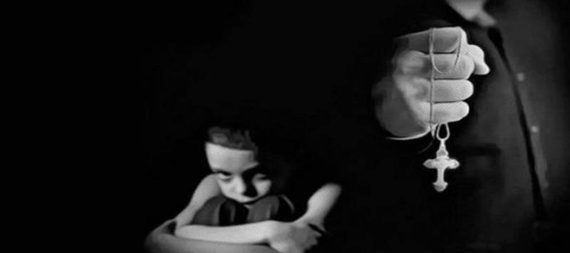 Detienen a catequista de niños indígenas por pornografía infantil