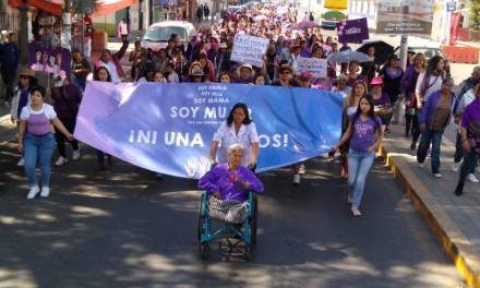 Mujeres marchan en Tizayuca de forma pacífica