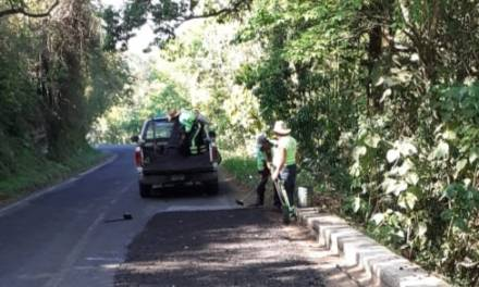 Continúa Sopot mantenimiento de carreteras