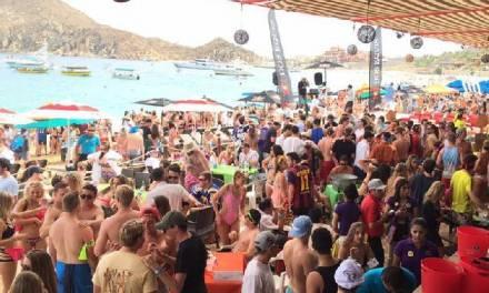28 spring breakers que viajaron a Cabo San Lucas dieron positivo al COVID-19